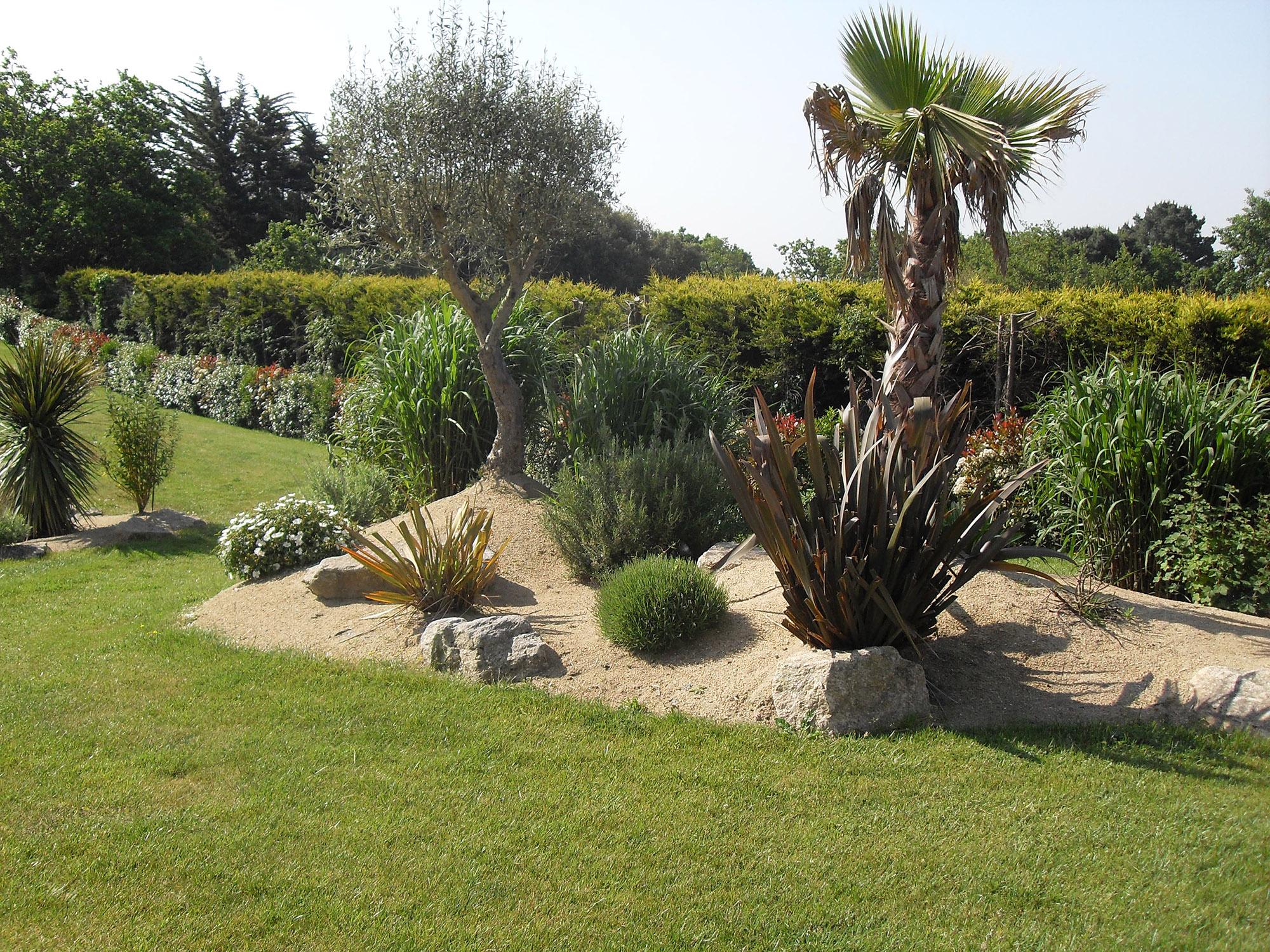Jarre decoration piscine meilleures id es pour votre for Decoration jardin olivier