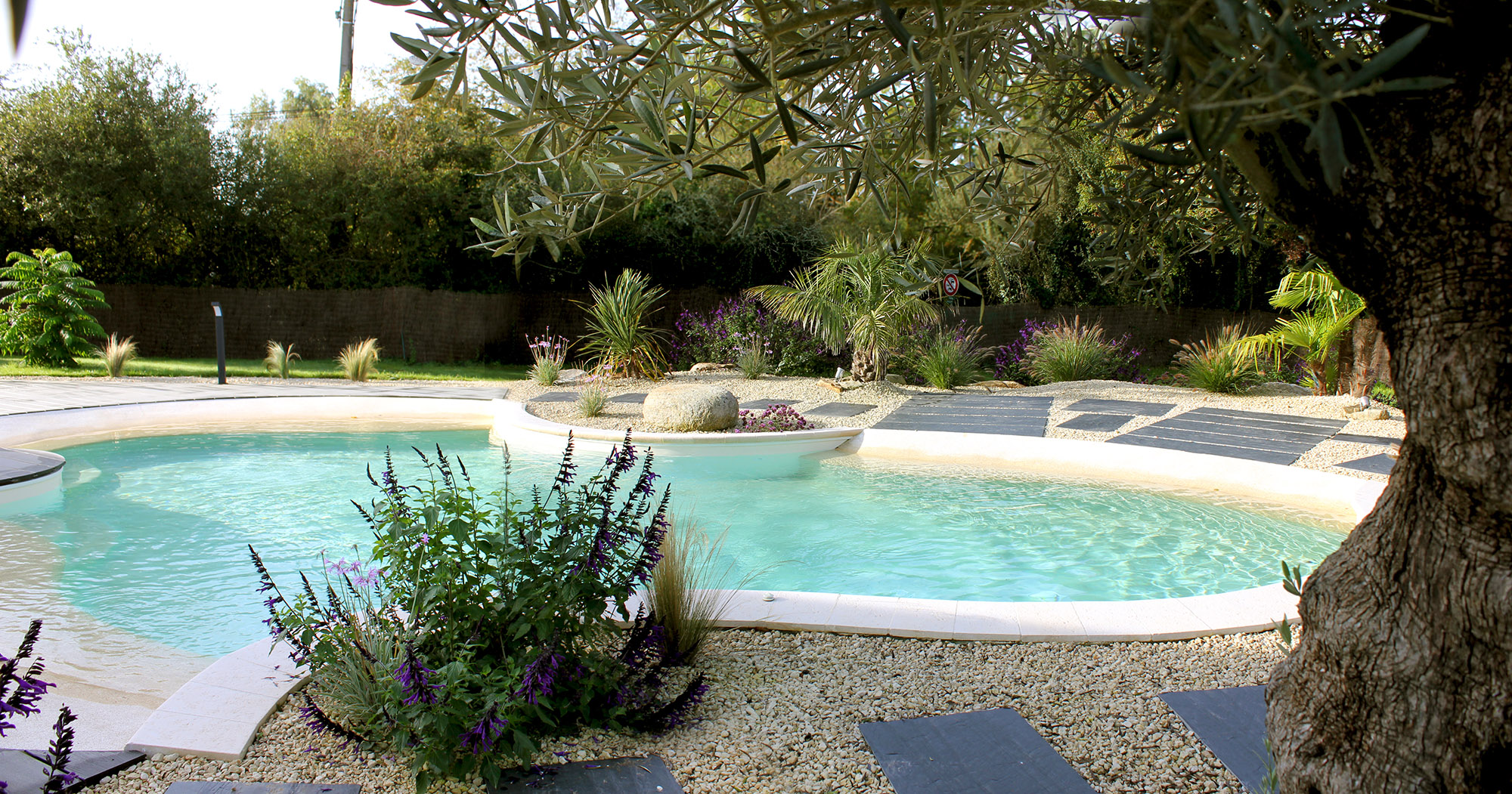 Tour de piscine saint andr des eaux 44 dreamis for Piscine guerande 44