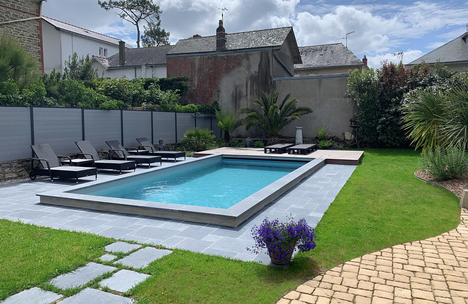 Am nagement paysager autour d 39 une piscine dreamis - Amenagement autour d une piscine ...